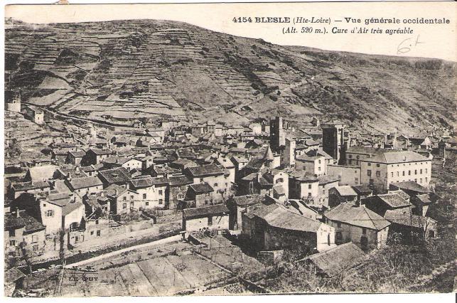 Le village de Blesle dans la vallée de l'Allagnon