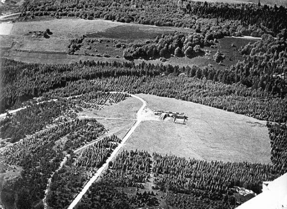 Vue aérienne du site du Mont Mouchet après les combats