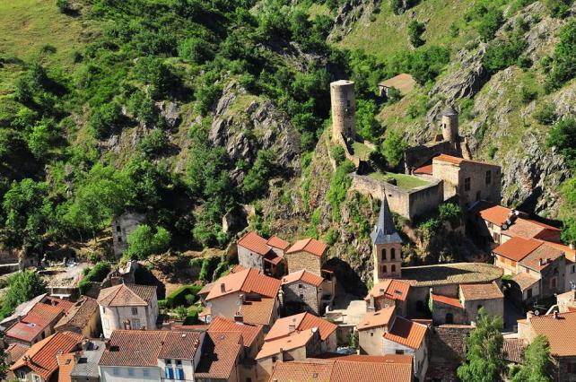 Château et le village de Saint-Floret