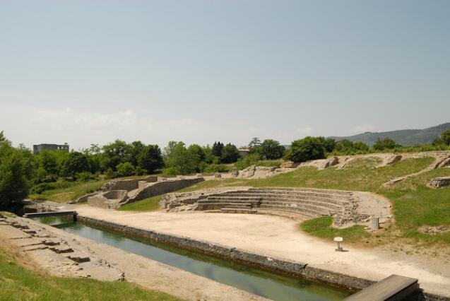 Théâtre antique d'Alba la Romaine