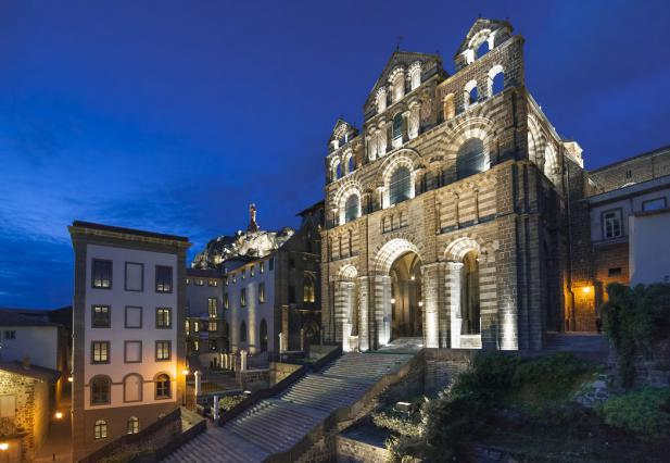 La cathédrale et l'hôtel-Dieu du Puy-en-Velay