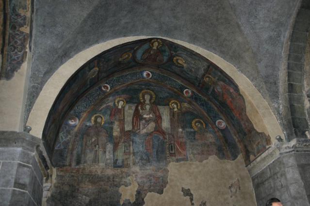 Peinture murale représentant la Vierge en majesté, cathédrale du Puy-en-Velay