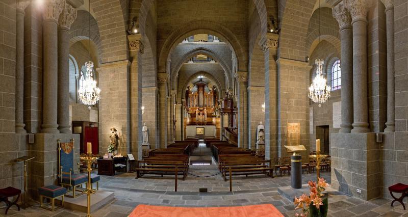 Intérieur de la cathédrale du Puy-en-Velay
