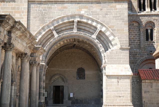 Porche du For, cathédrale du Puy-en-Velay