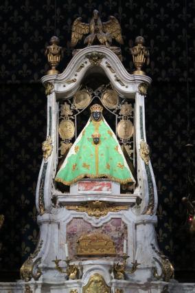 Vierge noire, autel de la cathédrale du Puy-en-Velay