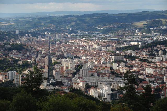 Vue de la Grand'Rue depuis le Guizay