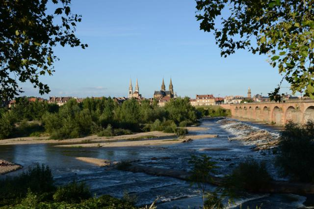 En amont du pont Régemortes, vue depuis la rive gauche