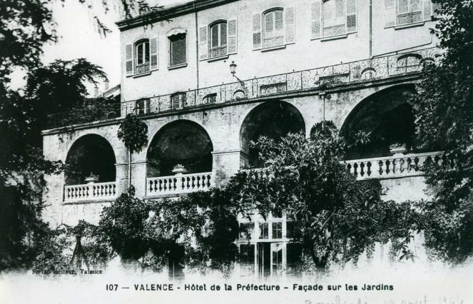Le logis de l'abbé de Saint-Ruf. coll. Jacques Benevise