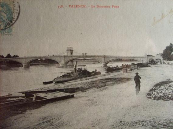 Carte postale berges et ponts