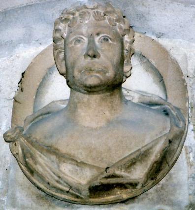 Empereur romain dans le corridor.