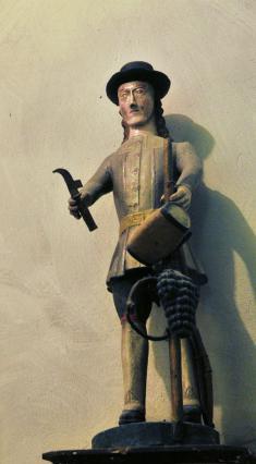 Statue de saint Verny dans l'église de Champeix