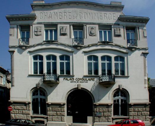 Façade du palais consulaire.