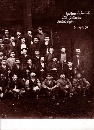 Équipe de nuit du puits de Cellamines à La Combelle - archives des mineurs