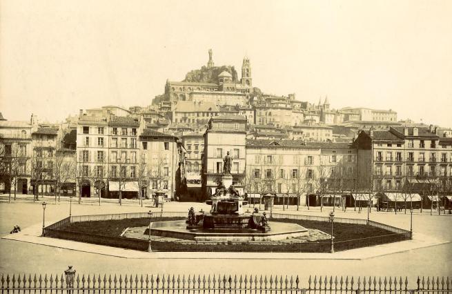 Fontaine Crozatier, place du Breuil, Le Puy-en-Velay, fin du 19e siècle