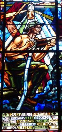 Vitrail du mineur des ateliers Mauméjean - années 1950 - Eglise de Brassac-les-MInes