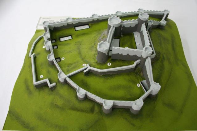 Maquette pédagogique du Château de Mauzun
