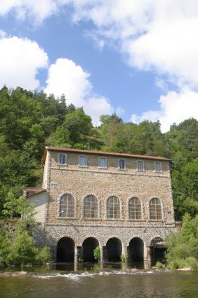 L'usine électrique de Charentus, Coubon