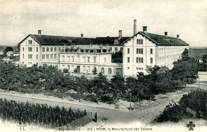 Manufacture des tabacs vers 1900