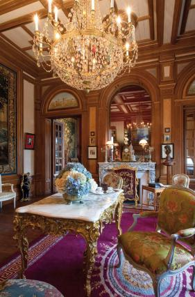 Vue du grand salon. Collection musée Anne-de-Beaujeu