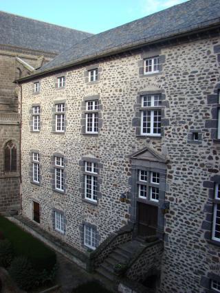 Palais épiscopal – Musée de la Haute-Auvergne