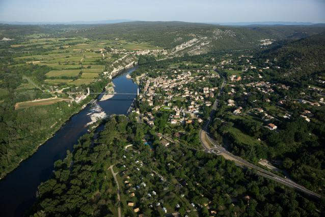 Vue du ciel de Saint-Martin-d'Ardèche