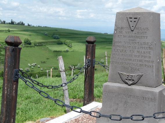 Monument dédié au maquis-relais de Bosberty et de Vins-Haut près d'Anzat-le-Luguet - 1946