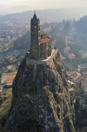 Chapelle Saint-Michel d'Aiguilhe au sommet d'un neck volcanique