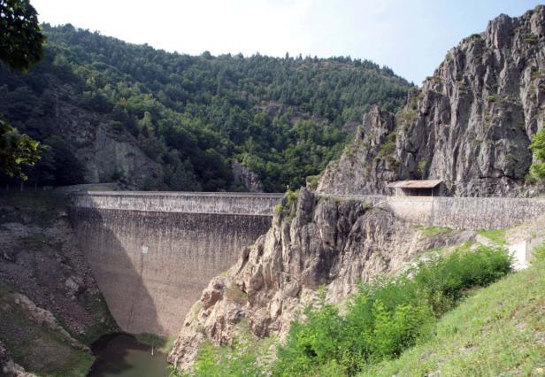 Le barrage du Gouffre d'Enfer à Rochetaillée