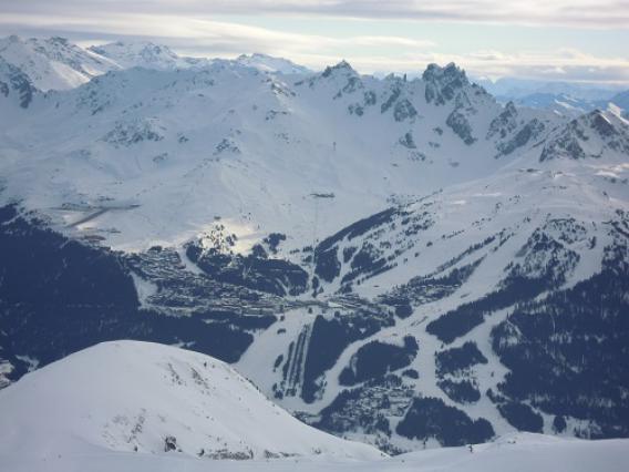 Courchevel, domaine skiable vu depuis La Plagne