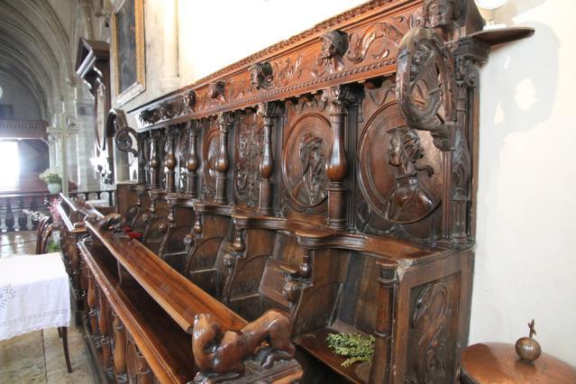Les stalles de l'église de Saint-Geoire-en-Valdaine