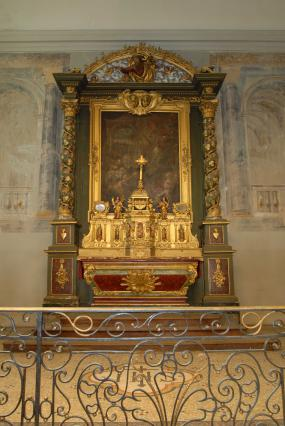 Maître autel de la chapelle des Capucins.