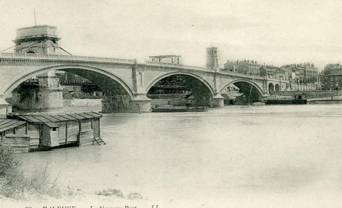 Le nouveau pont au côté du pont Seguin. Coll. Jacques Bénévise