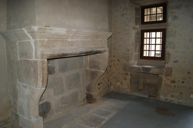 La cheminée de la salle basse