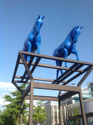 Chevaux bleus, œuvre d'Assan Smati