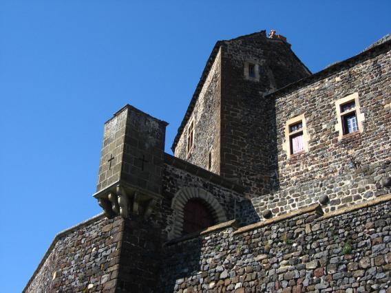 Entrée du château de Bouzols, Arsac-en-Velay