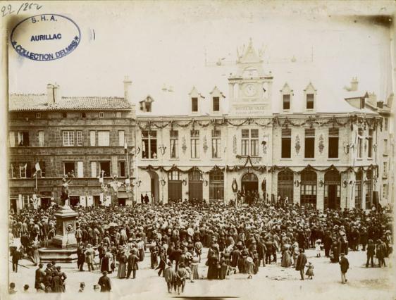 Inauguration de l'édifice le 9 août 1896