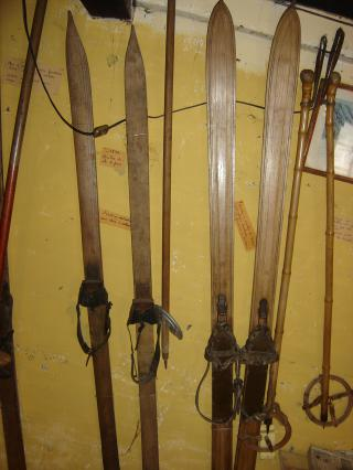 Skis au Musée du ski ancien