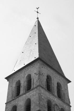 Le clocher et l'allégorie du Bien