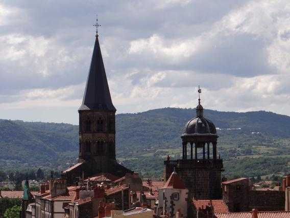Clocher de Saint-Amable et dôme de la tour de l'Horloge