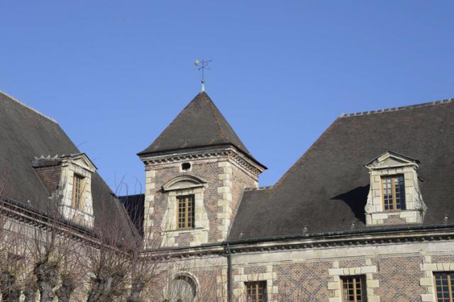 Palais de Justice - Ancien collège des Jésuites, lucarnes