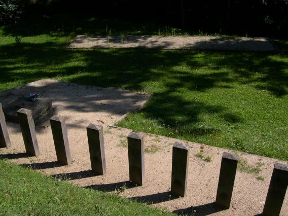 Stèles du monument de Soubizergues