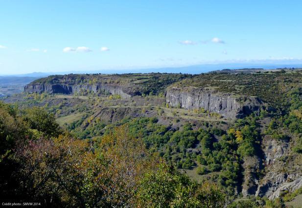 Falaises basaltiques du Coiron, St Pons