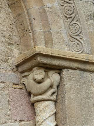 Église de Mailhat - Chapiteau du chevet