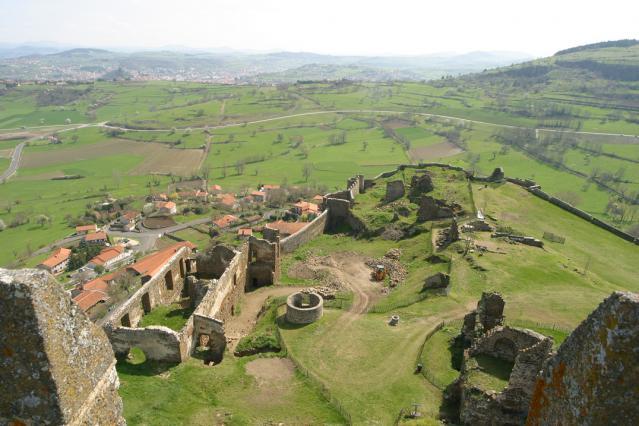 Depuis le donjon de la forteresse de Polignac