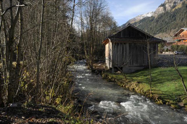 La Dranse d'Abondance et la scierie du Linga