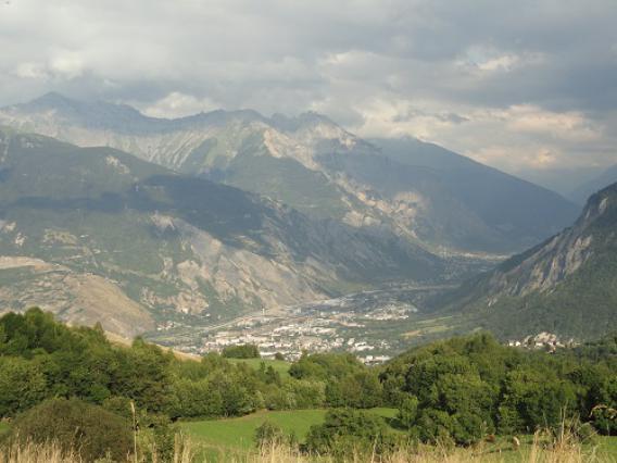 Saint-Jean-de-Maurienne, vue depuis Jarrier