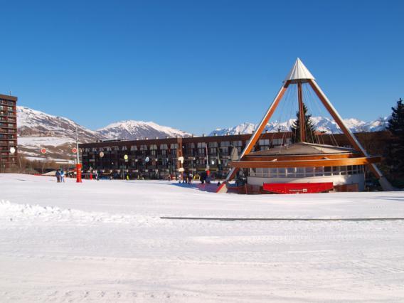 Le Corbier Front de neige et tripode