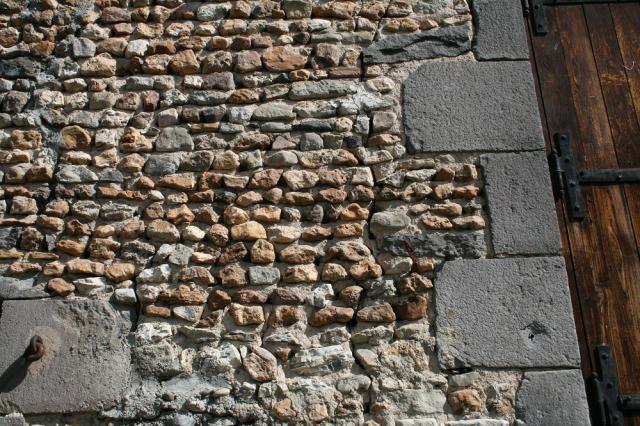Mur de moellons, Saint-Bonnet-près-Riom