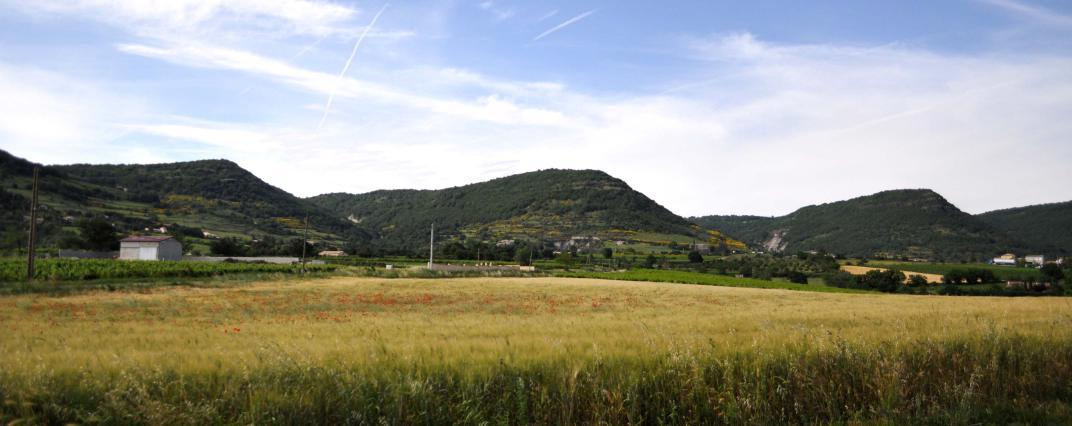 Les échancrures du plateau du Coiron, Aubignas