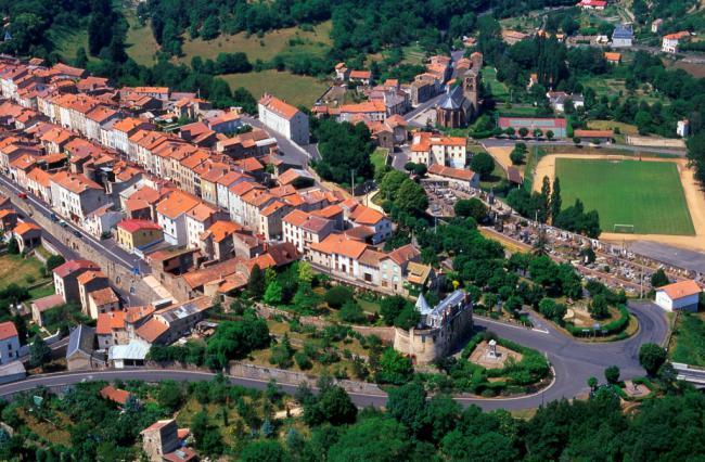 Ardes, la ville neuve fondée au 13e siècle